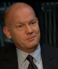 "**Abril**: Glenn Morshower / ""Aaron Pierce"""